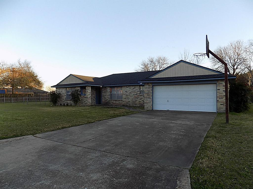 104 brookside ln sealy tx 77474 for sale