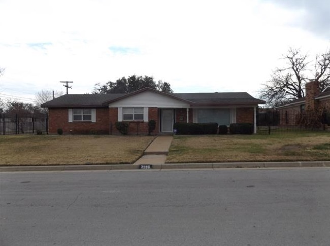 2366 faett ct fort worth tx 76119 for sale