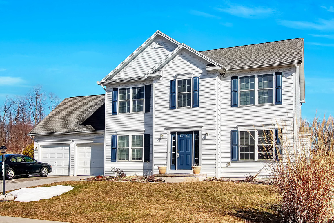2115 thoroughbred court york pa 17408 for sale