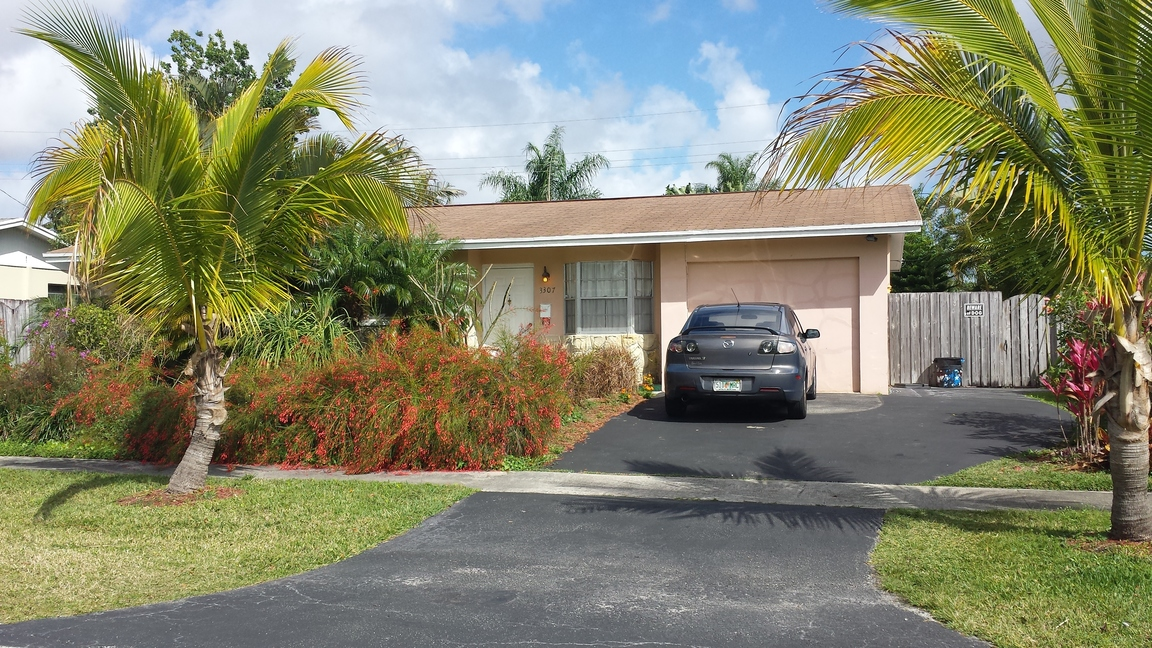3307 Bermuda Road Palm Beach Gardens Fl For Rent 1 600