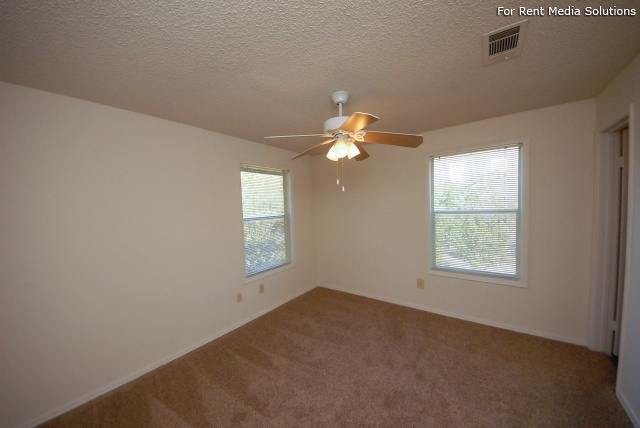 Laurel Ridge, Austin, TX, 78727: Photo 10