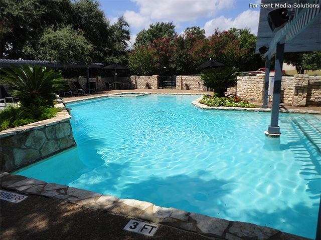 Laurel Ridge, Austin, TX, 78727: Photo 1