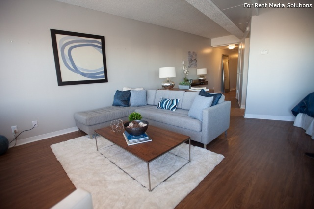 University Club Apartments, Tulsa, OK, 74119: Photo 2