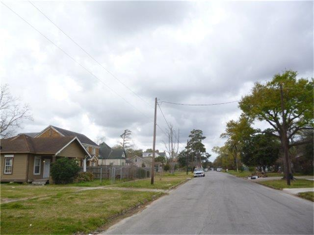 2200 south st beaumont tx 77701 for sale for Southeast texas home builders