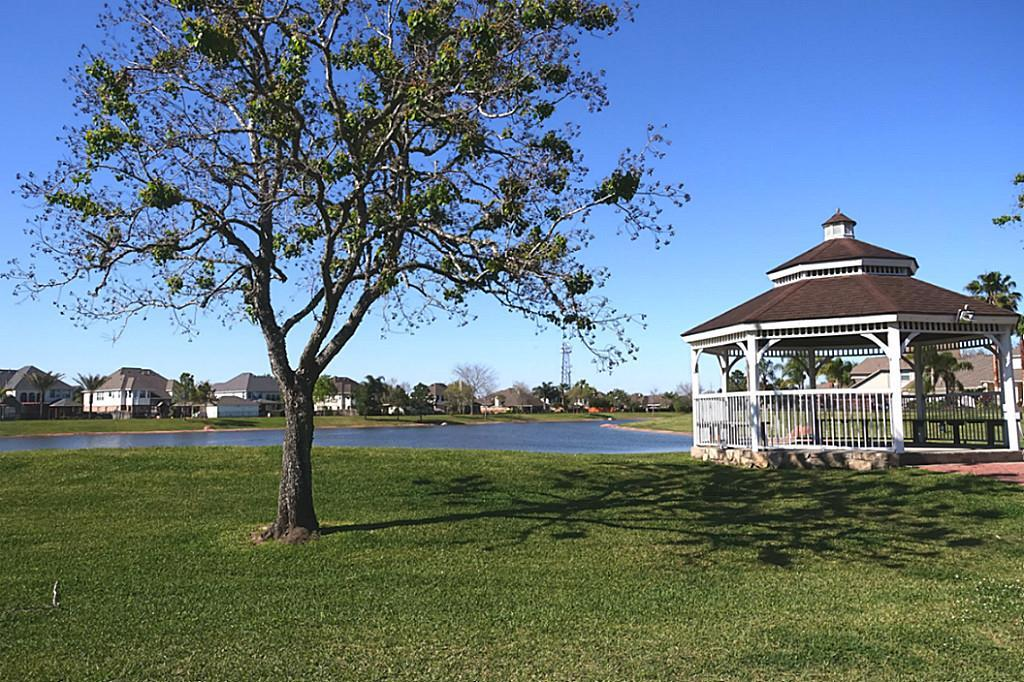 Homes For Sale Friendswood Lakes