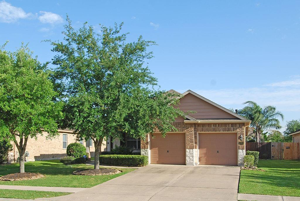 Home Available Now At 12915 Southern Ridge Drive 77584 besides Cheyenne additionally Bellagio together with Dixie Woods moreover Salary Needed To Buy Home. on southern trails pearland homes