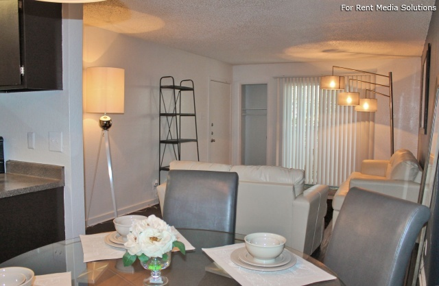 Park West Apartment Homes, San Antonio, TX, 78216: Photo 6