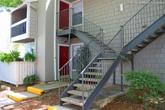 Park West Apartment Homes, San Antonio, TX, 78216: Photo 9