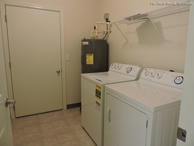 StoneGate Apartments, New Berlin, WI, 53151: Photo 7