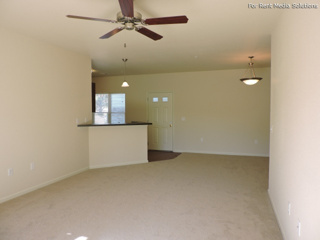 StoneGate Apartments, New Berlin, WI, 53151: Photo 11
