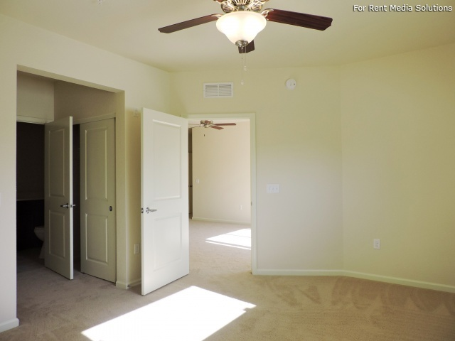 StoneGate Apartments, New Berlin, WI, 53151: Photo 14