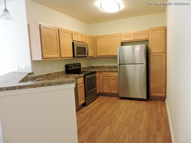 StoneGate Apartments, New Berlin, WI, 53151: Photo 25