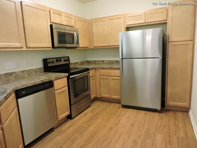 StoneGate Apartments, New Berlin, WI, 53151: Photo 26