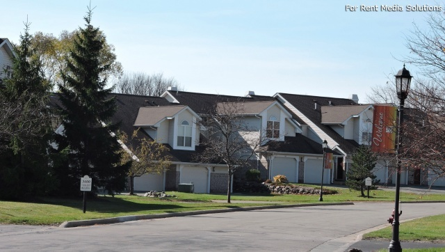 StoneGate Apartments, New Berlin, WI, 53151: Photo 33