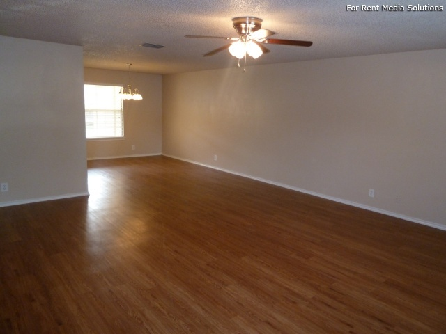 Country View Garden Homes, Boerne, TX, 78006: Photo 2