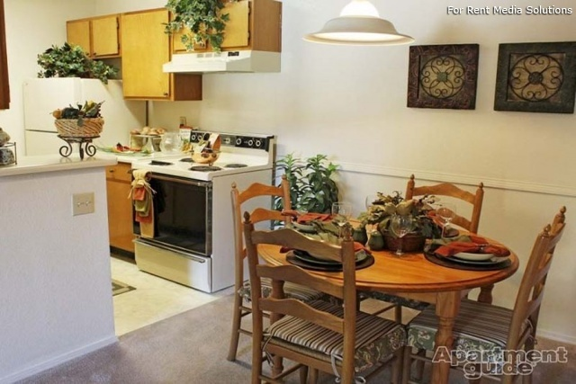 Sombra del Oso Apts, Albuquerque, NM, 87120: Photo 6