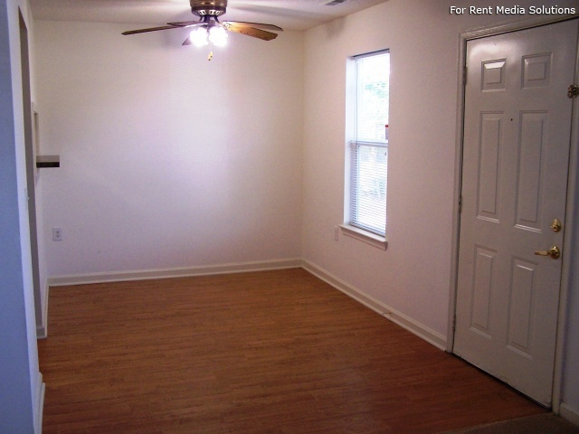 Maplewood Apartments, Chesapeake, VA, 23321: Photo 12