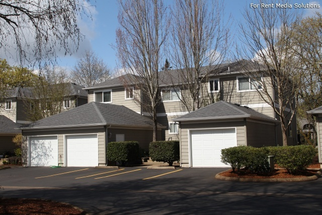 Kentfield Townhomes and Apartments, Eugene, OR, 97401: Photo 1