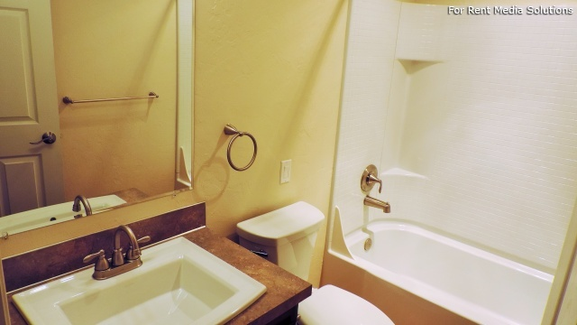 Kentfield Townhomes and Apartments, Eugene, OR, 97401: Photo 42
