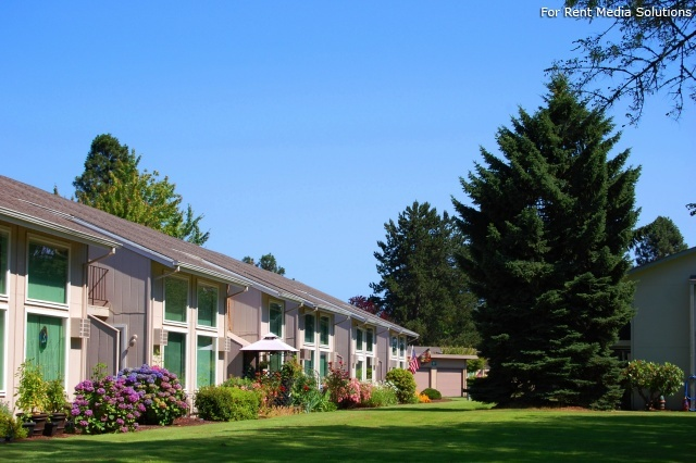 Meadowlawn Apartments, Salem, OR, 97317: Photo 2