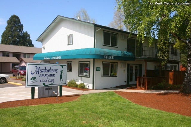 Meadowlawn Apartments, Salem, OR, 97317: Photo 3