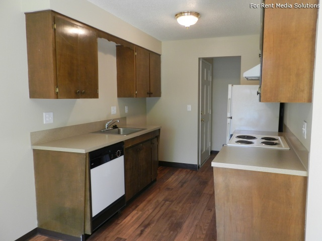 Meadowlawn Apartments, Salem, OR, 97317: Photo 17