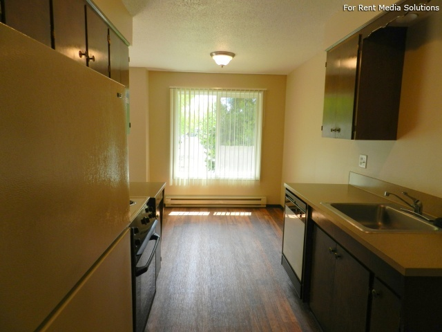 Meadowlawn Apartments, Salem, OR, 97317: Photo 18