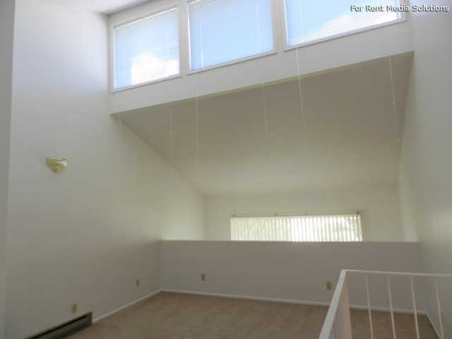 Meadowlawn Apartments, Salem, OR, 97317: Photo 27
