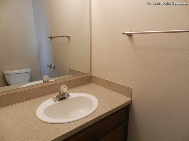 Meadowlawn Apartments, Salem, OR, 97317: Photo 30