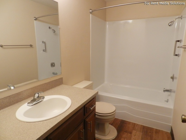 Meadowlawn Apartments, Salem, OR, 97317: Photo 31