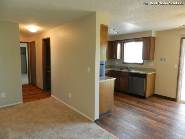 Meadowlawn Apartments, Salem, OR, 97317: Photo 32