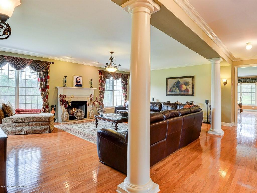 4 Winding Woods Way, Freehold, NJ, 07728: Photo 5