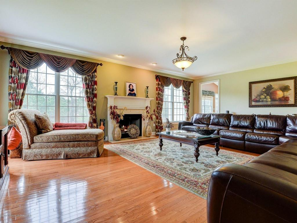 4 Winding Woods Way, Freehold, NJ, 07728: Photo 6