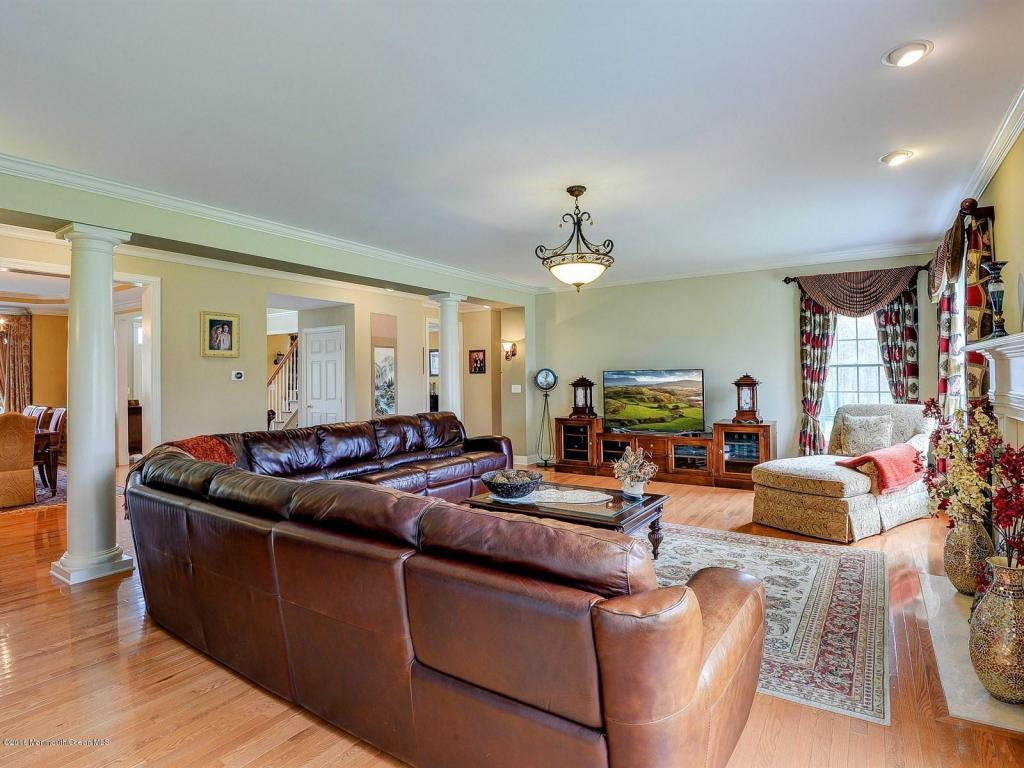 4 Winding Woods Way, Freehold, NJ, 07728: Photo 7