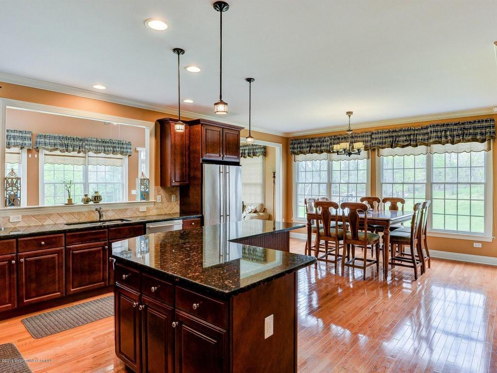4 Winding Woods Way, Freehold, NJ, 07728: Photo 9