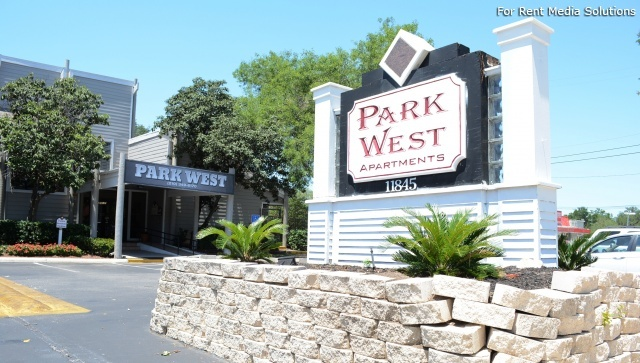 Park West Apartment Homes, San Antonio, TX, 78216: Photo 1