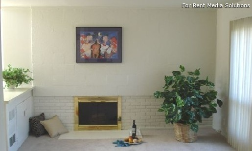 Eton Square Apartments & Townhomes, Birmingham, MI, 48009: Photo 6
