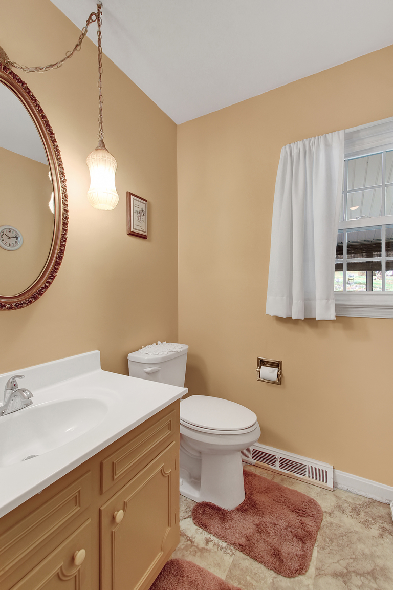1401 Cherry Orchard Road, Dover, PA, 17315: Photo 10