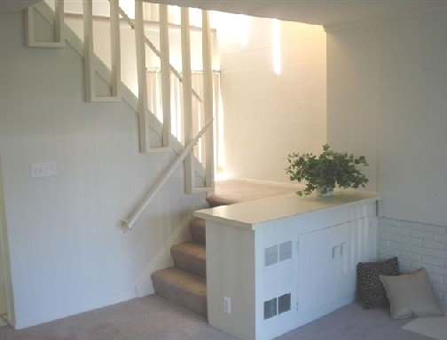 Eton Square Apartments & Townhomes, Birmingham, MI, 48009: Photo 9