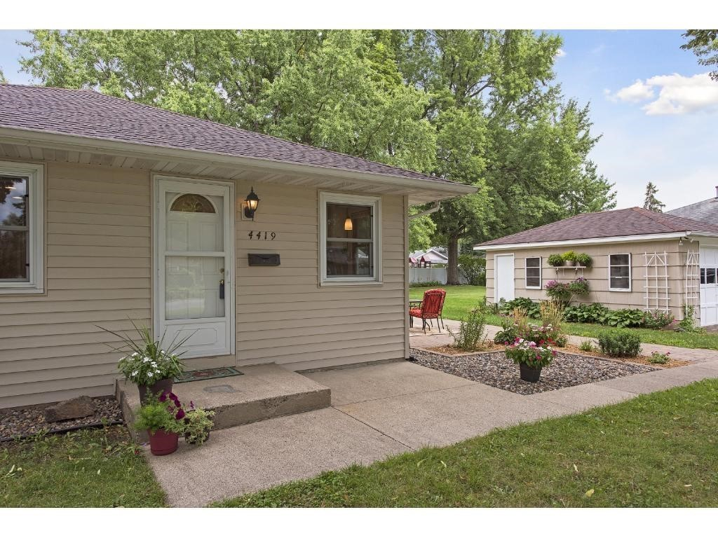 4419 w old shakopee road bloomington mn 55437 for sale