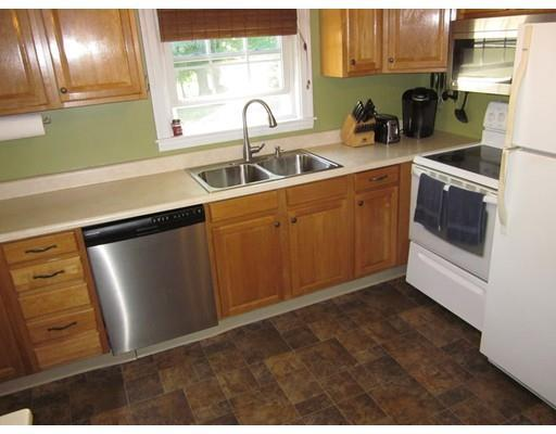 371 Pleasant St, Leicester, MA, 01524: Photo 5