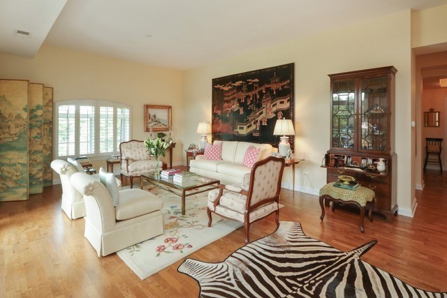 1800 Amberley Court 402, Lake Forest, IL, 60045: Photo 2