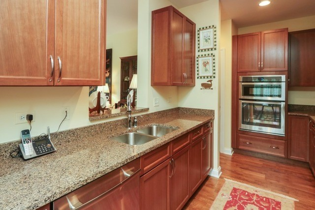 1800 Amberley Court 402, Lake Forest, IL, 60045: Photo 5