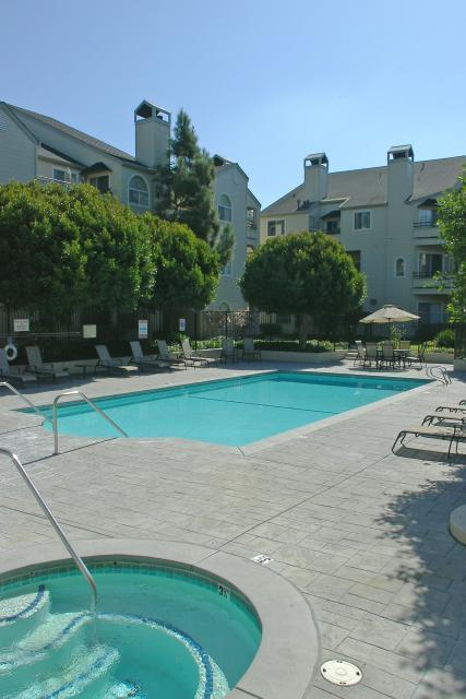 CreekView Condominiums, El Sobrante, CA, 94803: Photo 15