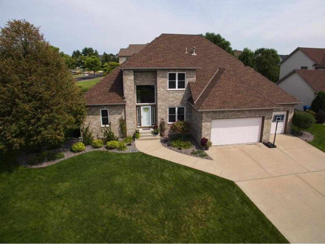 2940 hillsview w roseville mn 55113 for sale