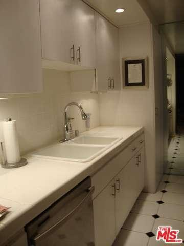 1200 N Flores St 209, West Hollywood, CA, 90069: Photo 12