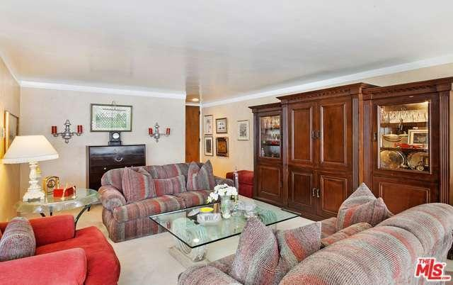 1200 N Flores St 209, West Hollywood, CA, 90069: Photo 5