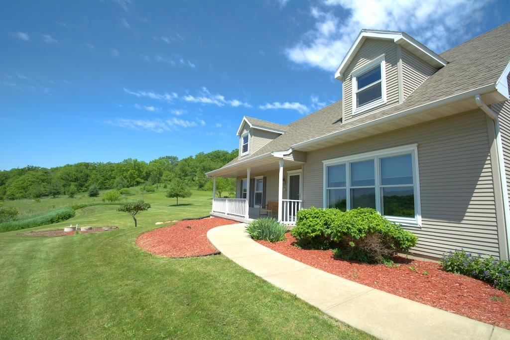 1805 County Road E, Blue Mounds, WI, 53517: Photo 25