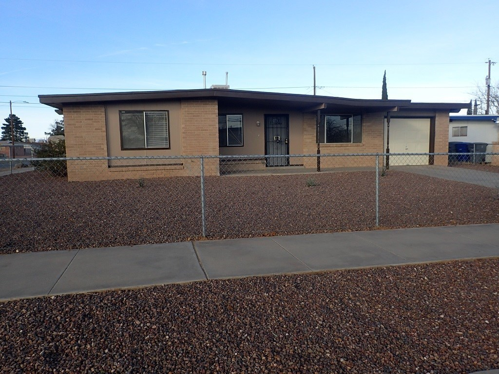 5601 wadsworth el paso tx for rent 825 for Homes in el paso tx