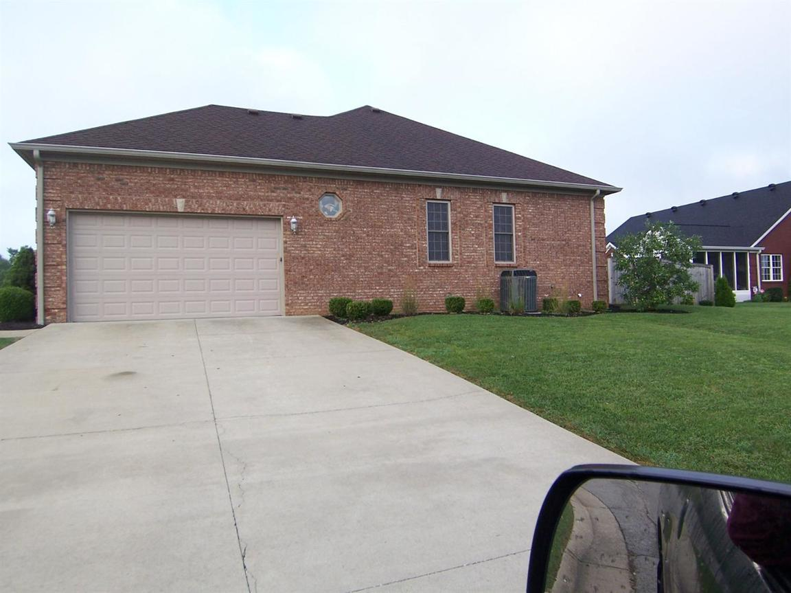 200 Maplewood Drive, Georgetown, KY, 40324: Photo 3